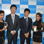 (L-R)-Mr.-Jerome-Li-GM-Vivo-Punjab-&-Mr-Evan-Kung-Executive-assistant-to-GM-during-the-launch-of--Vivo-X5max-World's-slimmest-phone