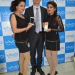 Mr.Jerome-Li-GM-Vivo-Punjab-during-the-launch-of-Vivo-X5max-World's-slimmest-phone