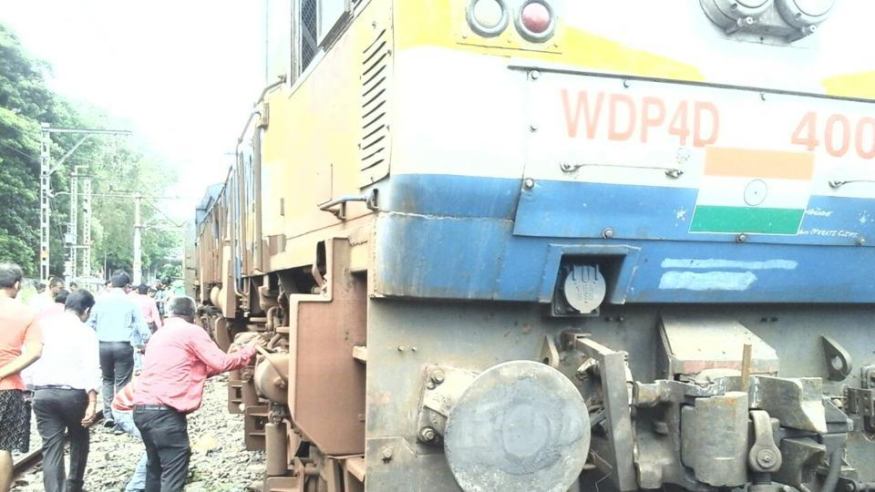 Mangala Express train derailed near Kalyan Railway Station Mumbai