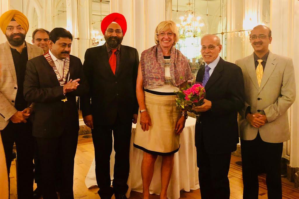 Dr Sarabjeet Singh