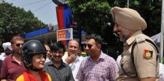 Government Houses Resident Welfare Society, Sector 22 (GH22RWS) organised Helmet Awareness and Road Safety Drive for Women in association with Chandigarh Traffic Police at Aroma Traffic Junction to mark Rakhi celebrations