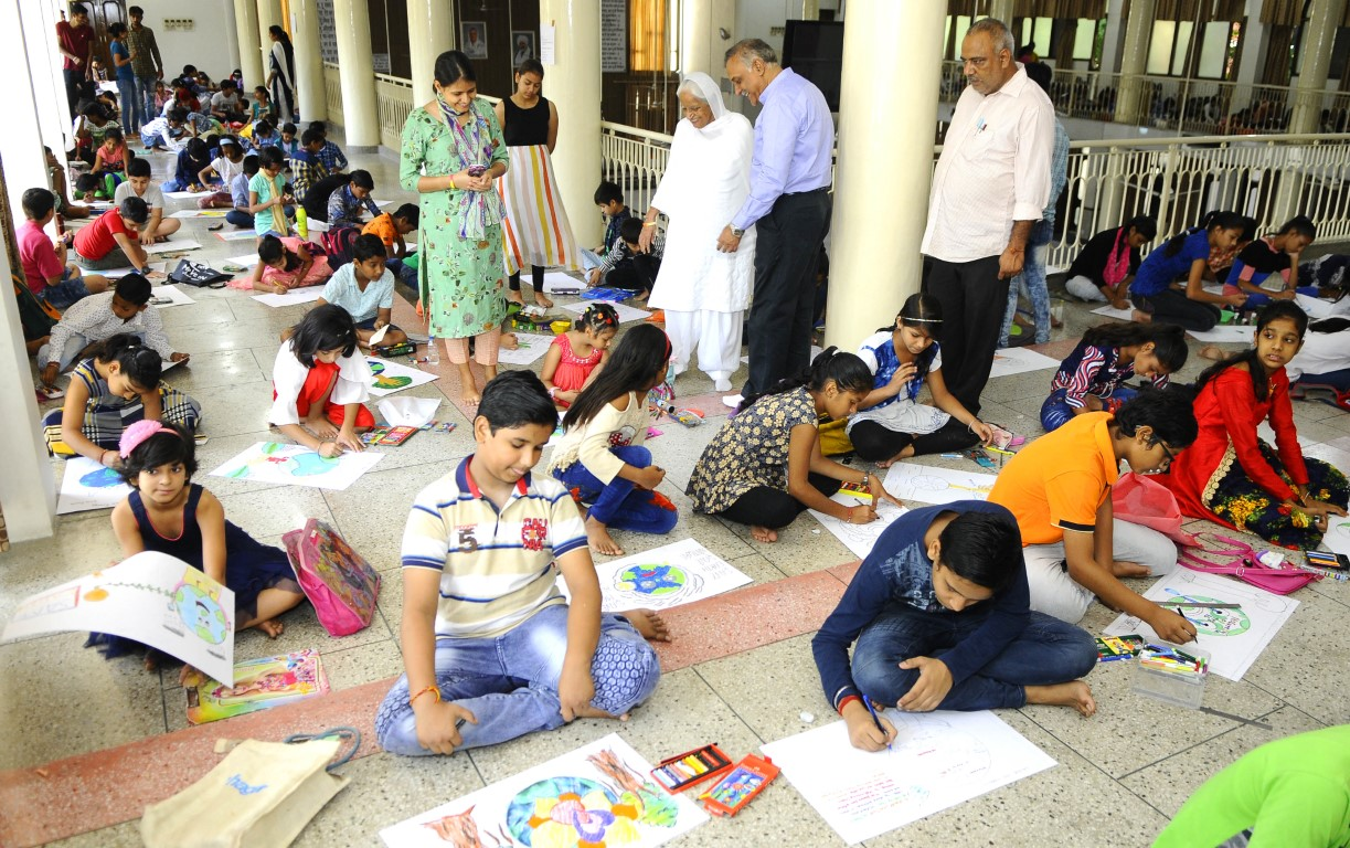 Drawing and painting competition organised at Sant Nirankari Satsang Bhawan : A drawing and painting was organised at Sant Nirankari Satsang Bhawan