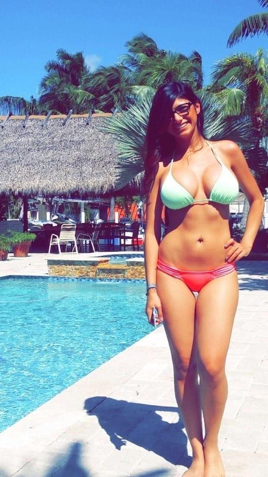 Latest Mia Khalifa Sexy Images