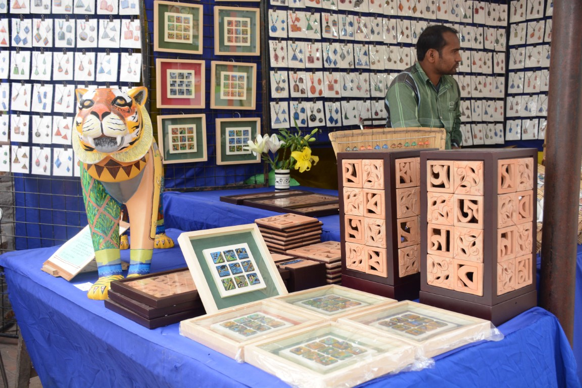 Dastkari Haat Craft Bazaar Extravagant