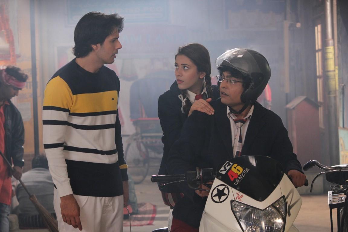 Pancham gets drunk on Sony SAB's Jijaji Chhat Per Hain