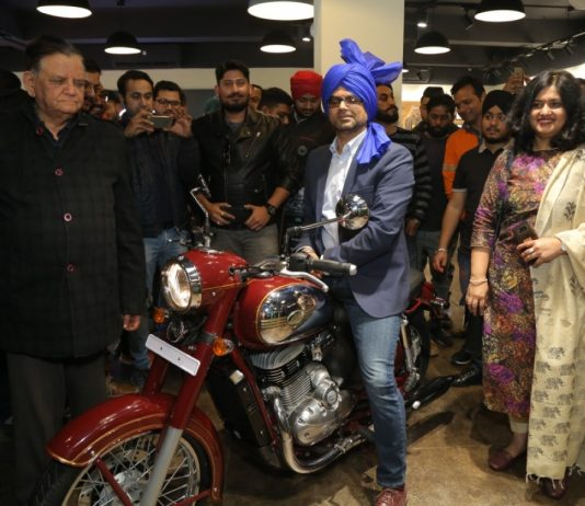 Classic Legends' Jawa Motorcycles enters Punjab with new showrooms