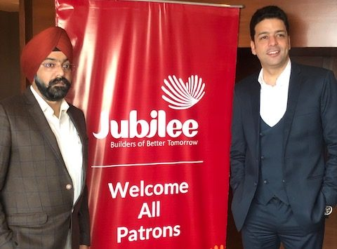 Mohali all set to witness International High Street Concept blending Retail and Office spaces, Entertainment areas & Food Joints Jubilee Walk is spread over 2.02 Acres of land located on the junction of Airport road and Himalaya Marg. Double Height Retail Showroom on ground level, for the first time ever in Mohali The Group's maiden project Jubilee Square, known for its strategic & practical architecture, will set a precedence for a whole new level of shopping experience for people and will offer Possession by 31st March