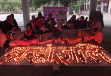 Pink Brigade of the Nari Jagriti Manch pay homage to Pulwama martyrs