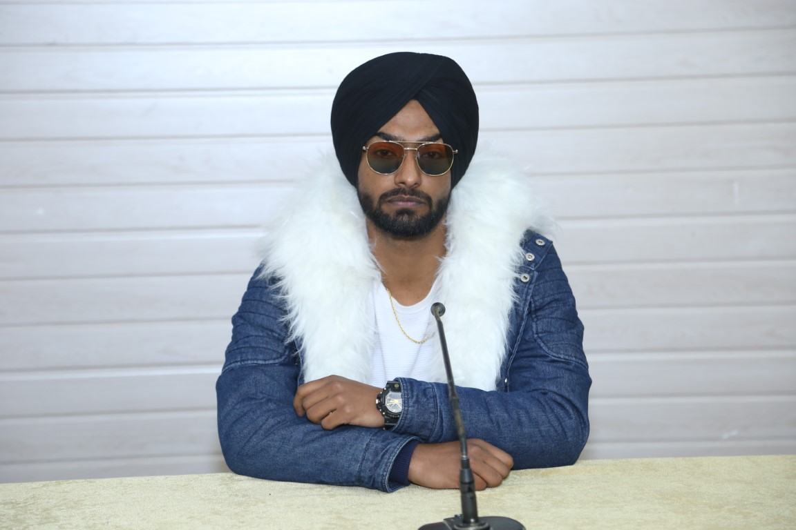 "Ravneet's song ""Laung Gawacha"" gets huge response on Youtube"