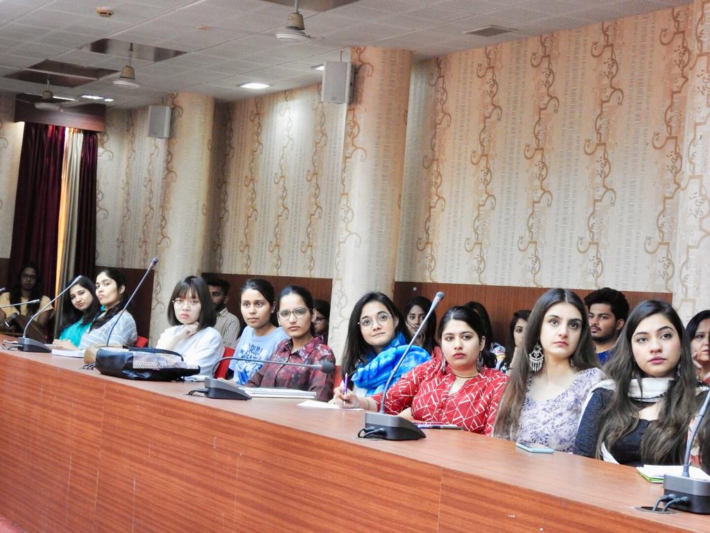 Women cell organized a talk to sensitize students on biological Clock at DAV College