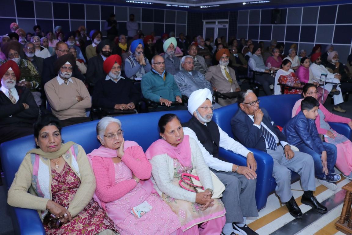 100 Senior Citizens attend awareness session at Fortis Hospital