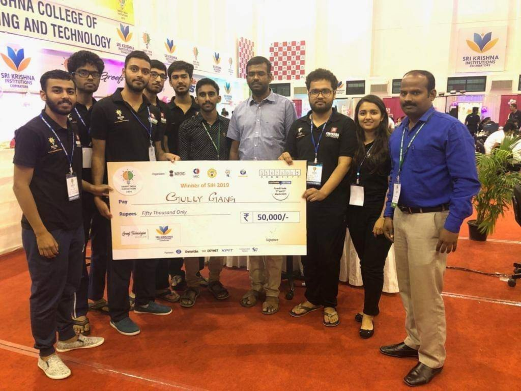 Chitkara University Team 'Gully Gang' bags first prize at SIH-2019