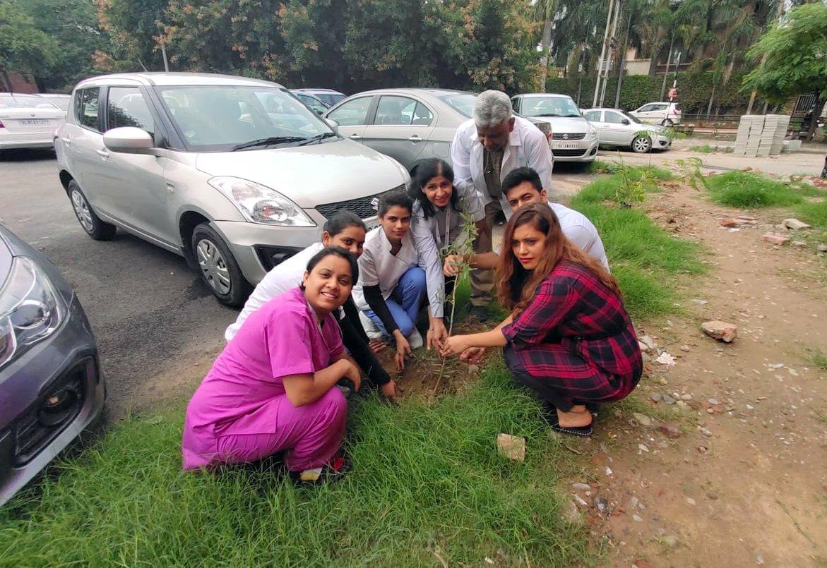 Apollo Clinic Chandigarh planted saplings around the premises