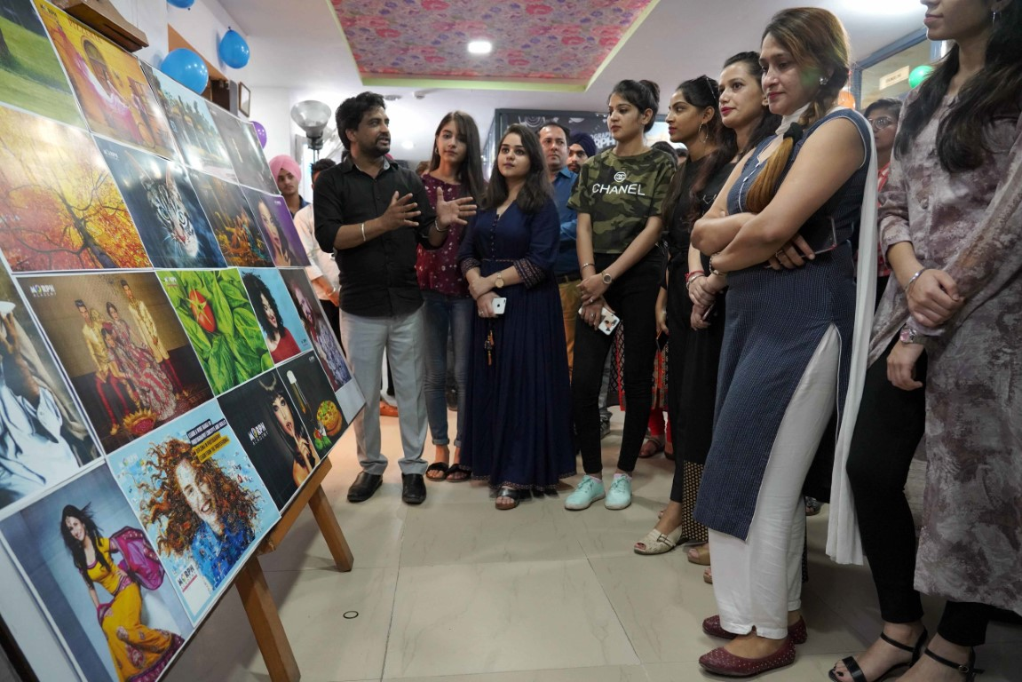 Students' photography exhibition begins at Morph Academy