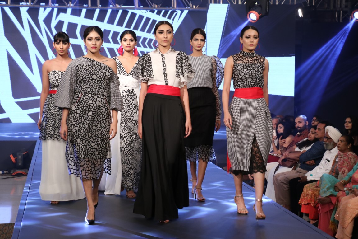 INIFD Celebrates 25 Years With its Annual Fashion Show