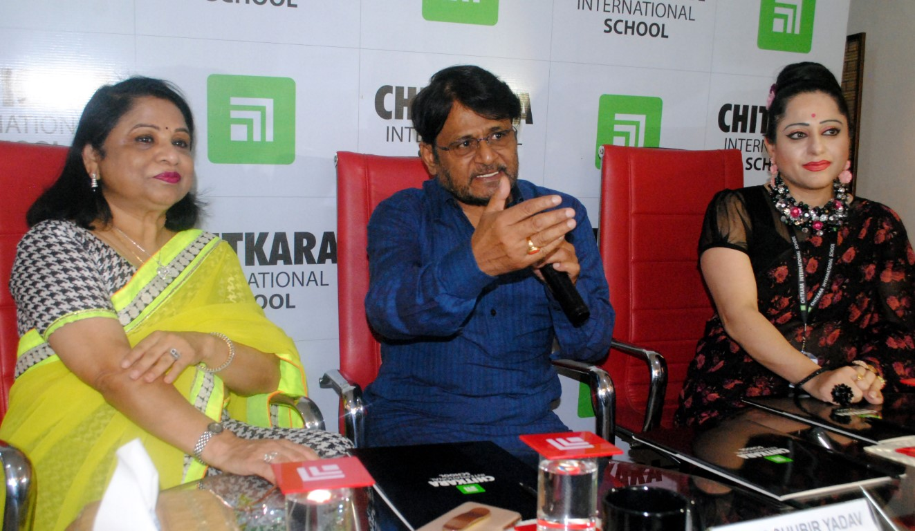 Raghubir Yadav felicitates Tricity students at Chitkara International School