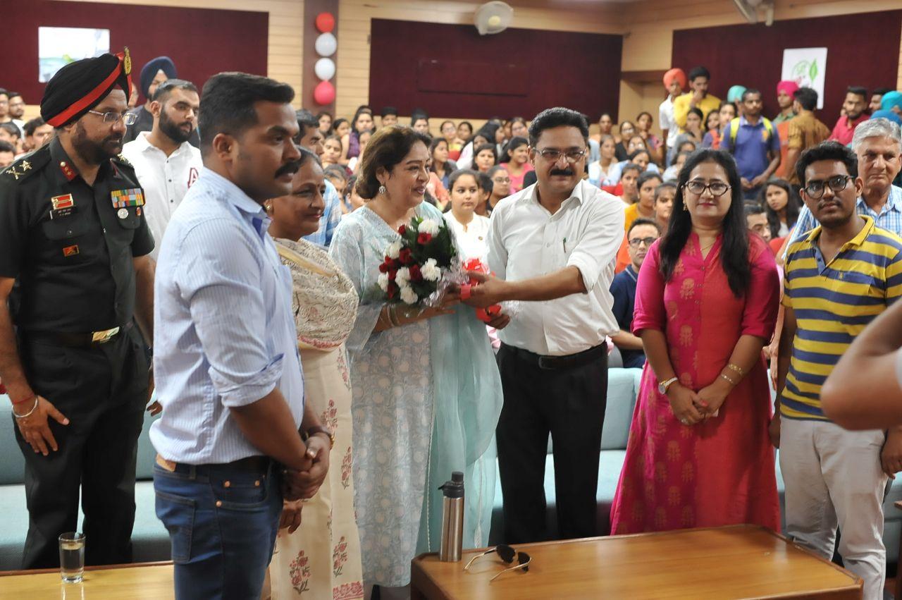 "NSS Unit of DAV College organised ""Swachhata Hi Seva"""