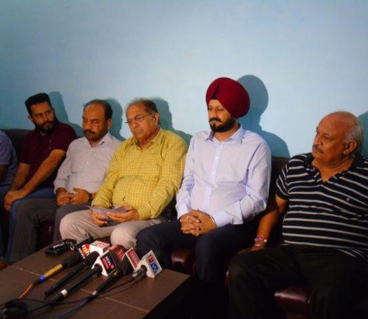 Mohali Petrol dealers demands 'Dual Pricing' of fuel in Punjab