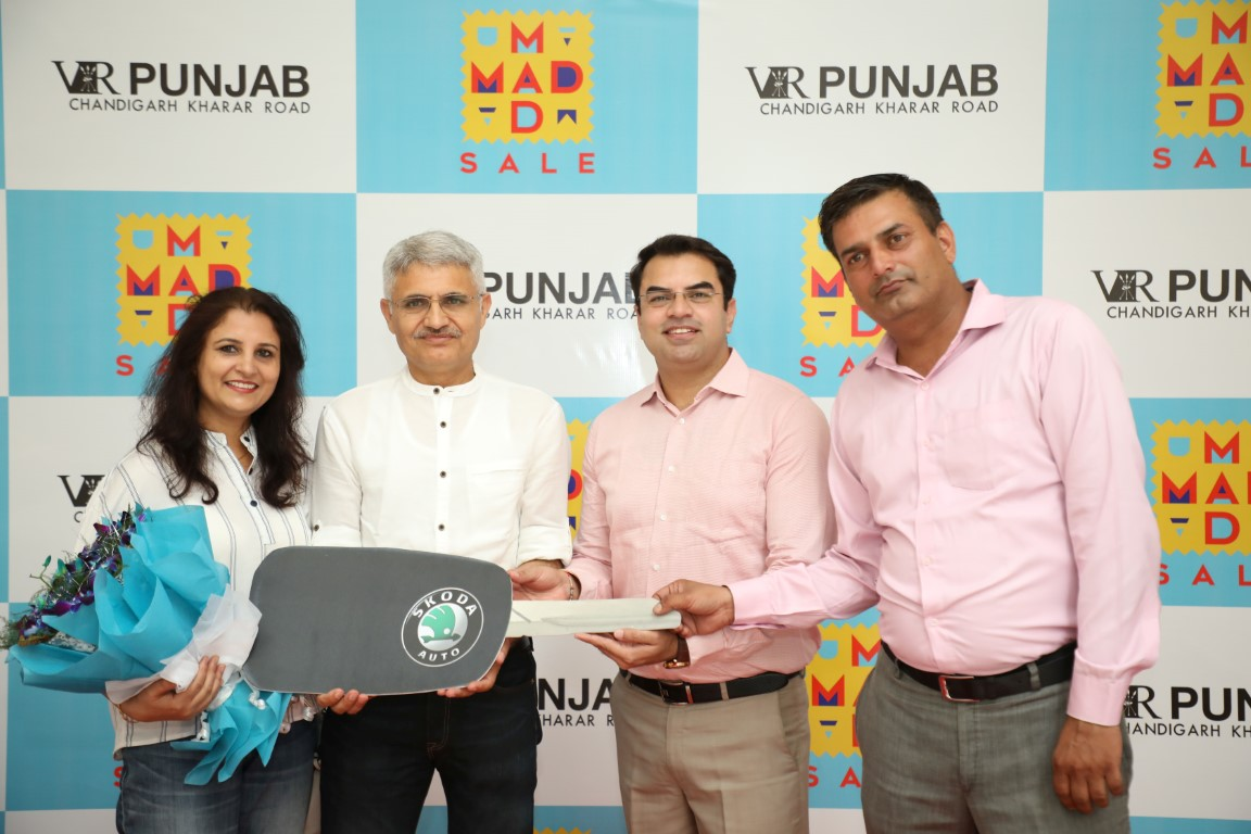 VR Punjab's Mad Mad Sale gives unmatched Joy to Lucky Winner
