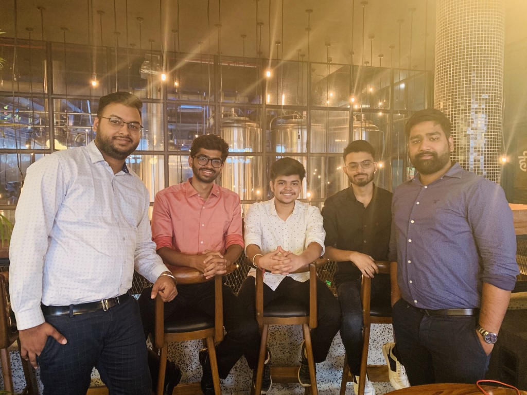 TriCity's Young Entrepreneur launches India's First Virtual Food Court app 'FoodClub'