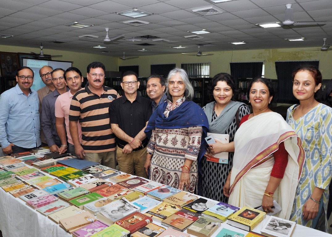 "DAVC Library organized a Lecture on ""Relevance of Mahatama Gandhi in Today's Era"""