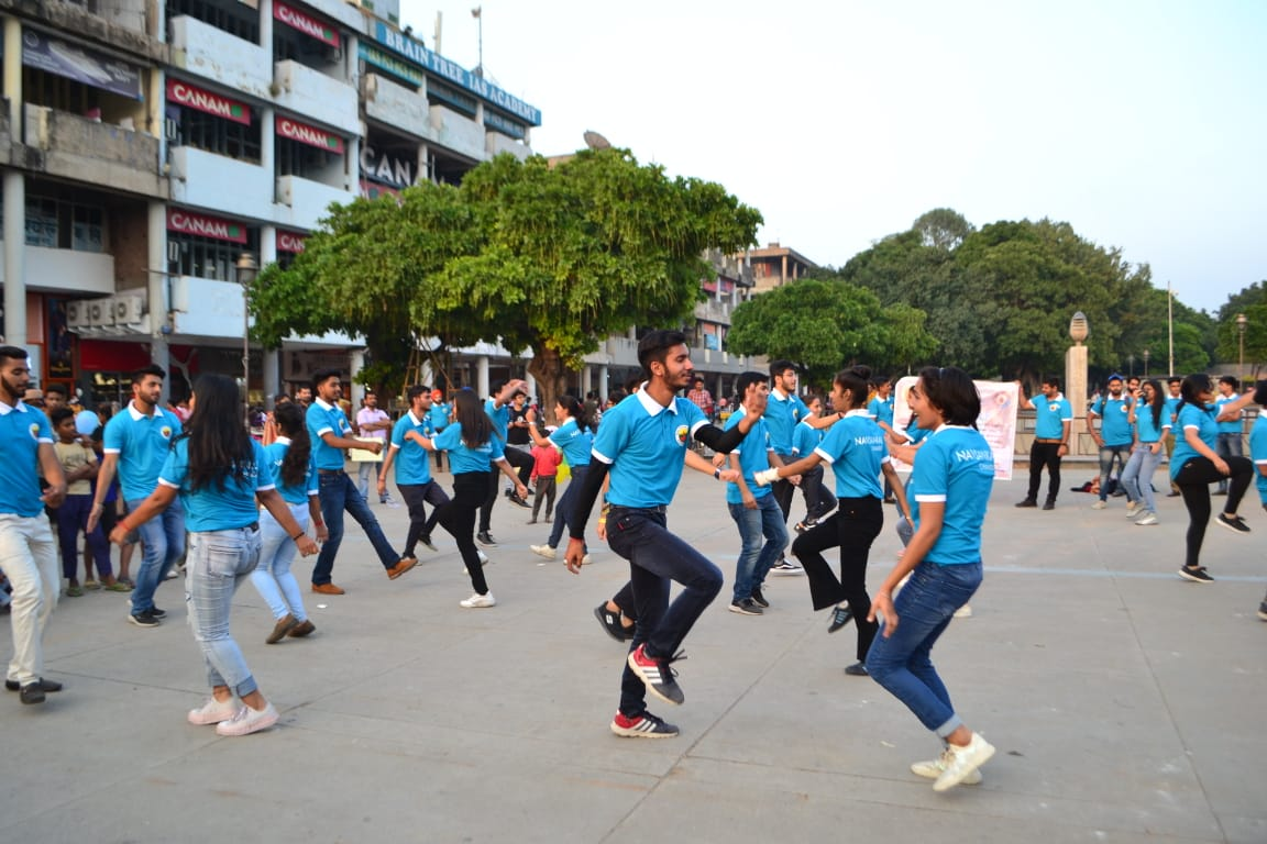 Flashmob & beginning of Market Collection by Navsankalp