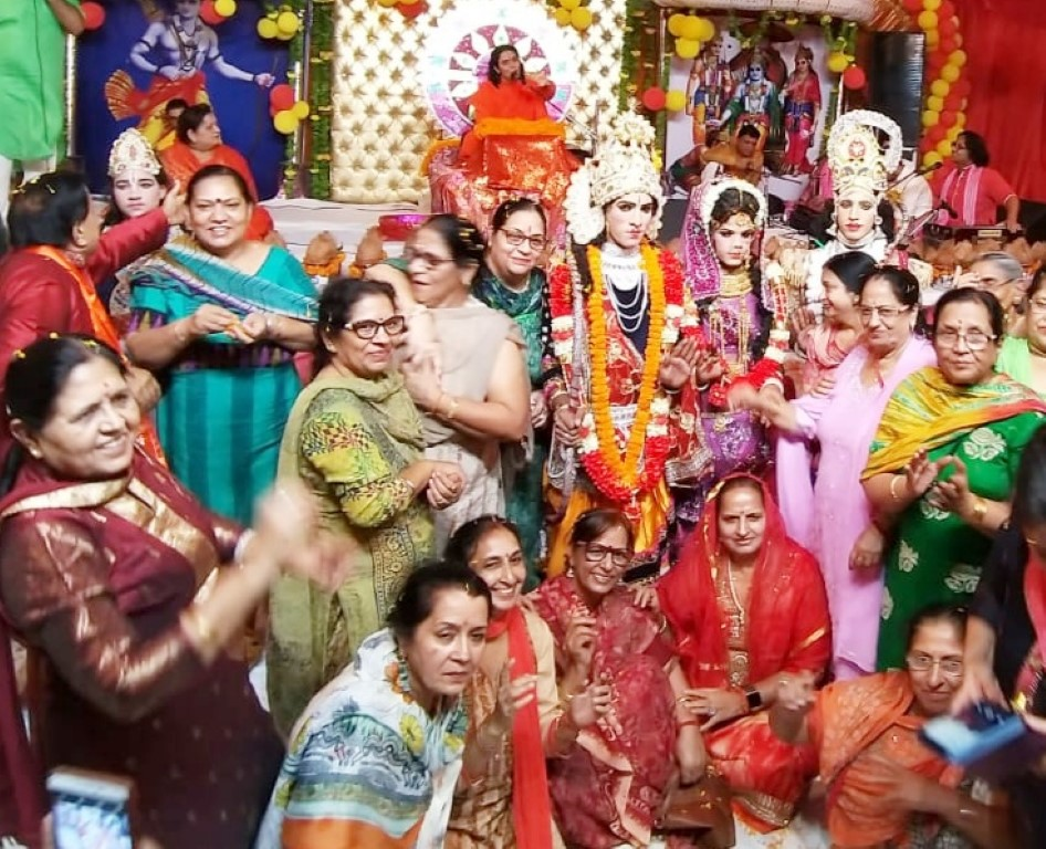 Devotees enjoyed the marriage ceremony of Shri Ram Janaki