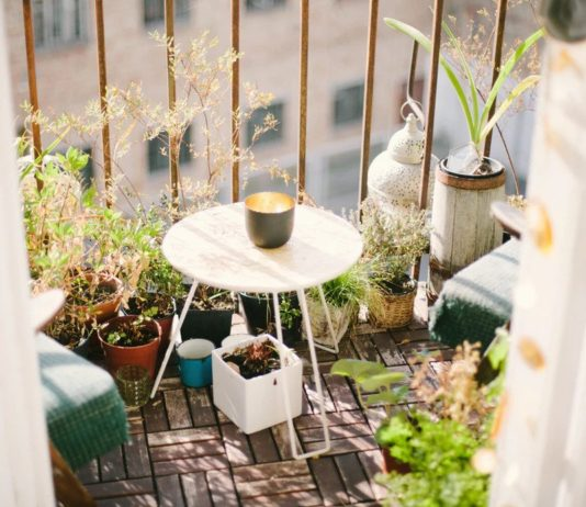 How To Beautify Your Balcony With Great Furniture