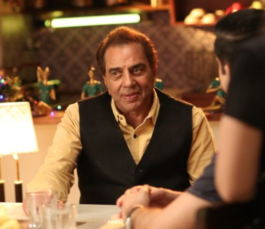 Dharmendra back in his romantic chocolate boy image