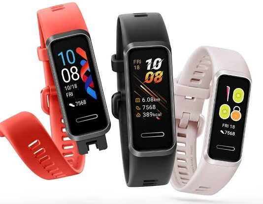 Huawei's new fitness device, the Huawei Band 4 on Flipkart