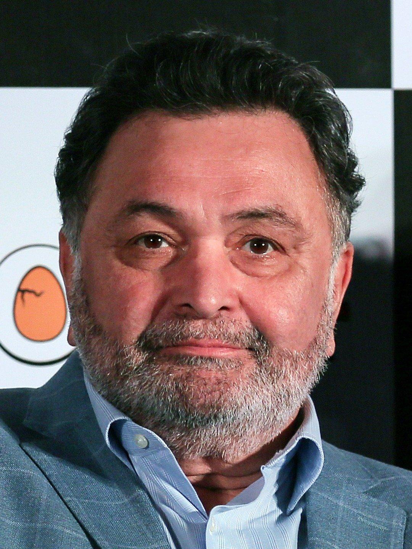 Rishi Kapoor no more, confirms Amitabh Bachchan
