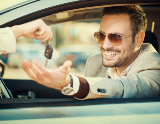 4 Benefits of Renting a Car for Business Use