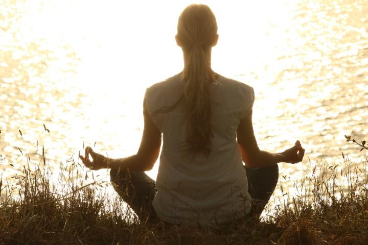 Dubai-based Indian girl has breaks a Yoga world record