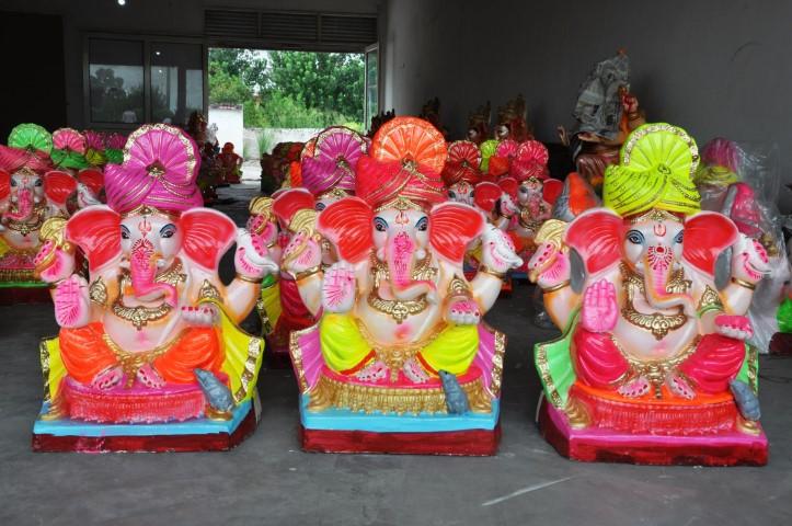 Ganesh Chaturthi: Eco-friendly earthen idols of Ganpati in demand