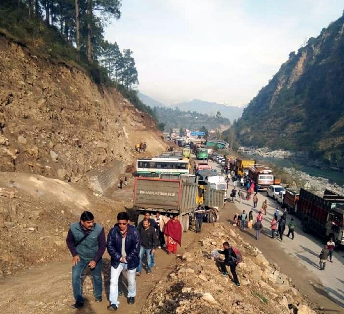 Landslide blocks stretch of Chandigarh-Manali highway: