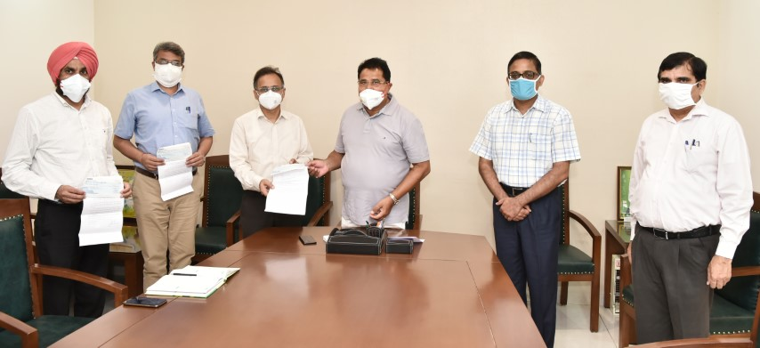 Soni directs to augment the supply of oxygen cylinders in Government Medical Colleges & Hospitals