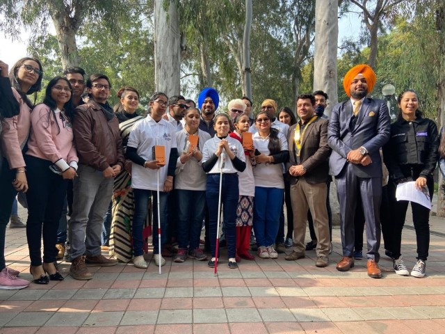100 visually challenged students benefit with Saarthi device