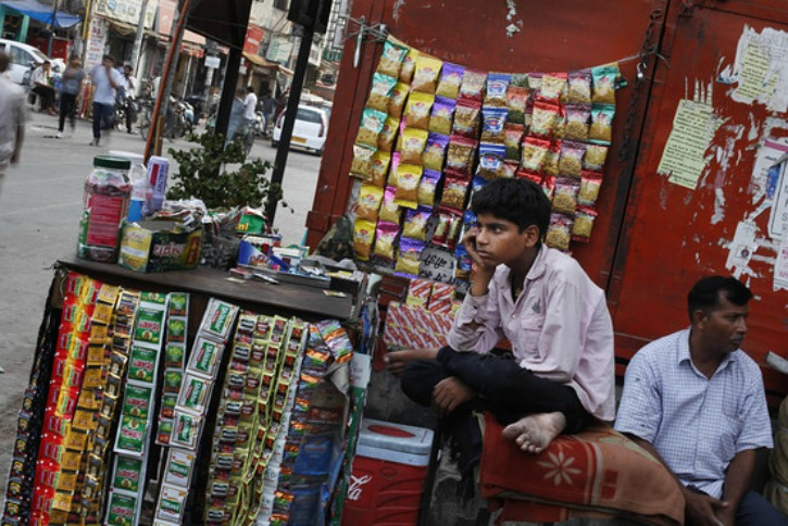 Tobacco Should Be Sold Only Through Licensed Vendor