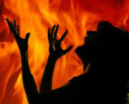 Minor girl in UP sets herself ablaze after being molested