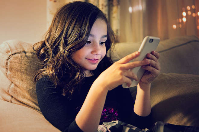 Smartphones – A major reason for pediatric vision problem