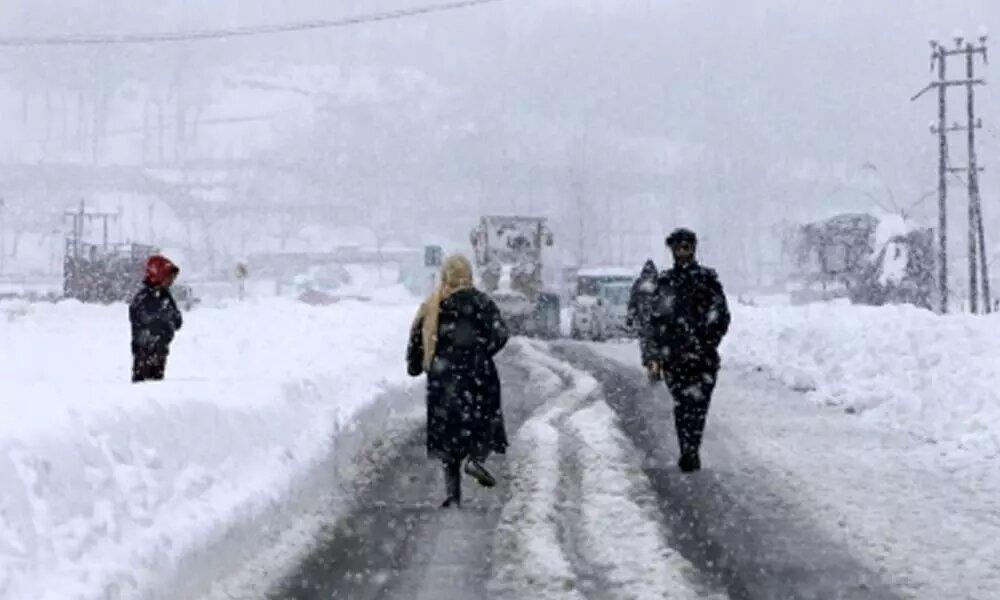 Rain, snow lashe valley, Ladakh