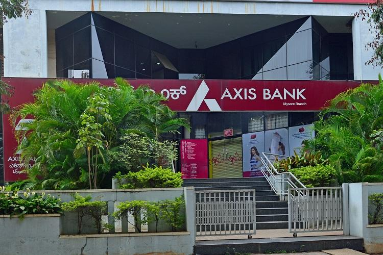 Axis Bank becomes a co-promoter of Max Life