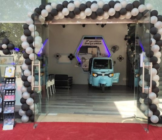 Piaggio Vehicles inaugurates north India's exclusive Electric Vehicle (EV) experience centre in Chandigarh