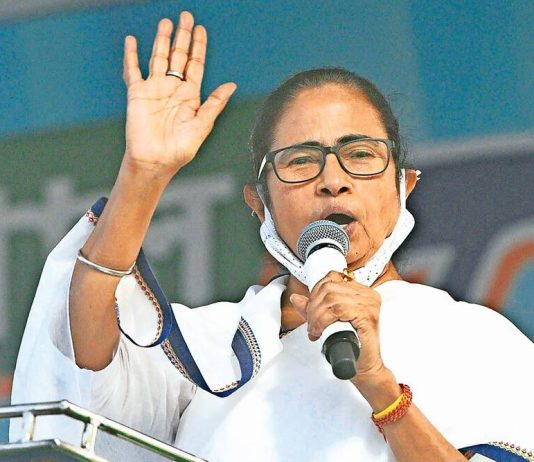 Mamata writes to PM, calls for 'liberal' import of vaccines