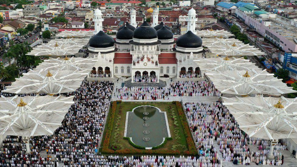 Pak celebrats Eid amid Covid