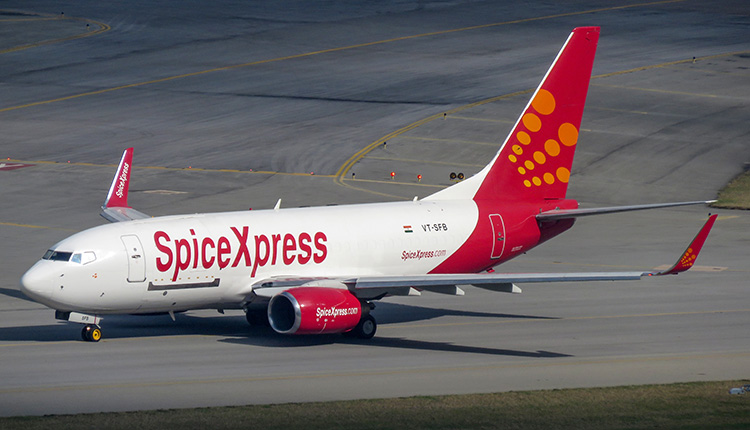 SpiceJet airlifts 2450 oxygen concentrators from Nanjing & Hong Kong to Delhi