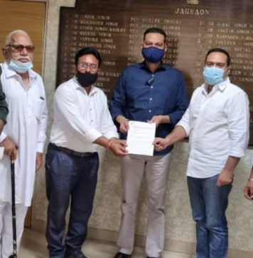 Soni Galib takes up free vaccination for all issue with President of India