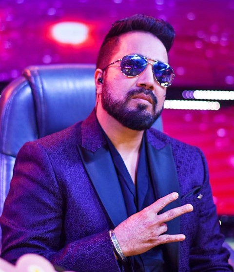 Superstar Mika Singh shoots a song in City Beautiful