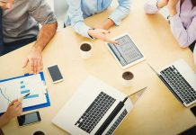 What are the roles and responsibilities of a business manager